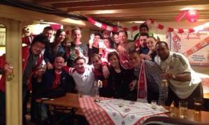 The Red Dragons' Stammtisch. Hier regiert der FCB!